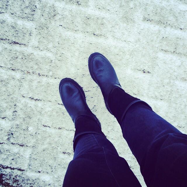 Happy snowy #Friday #weekendiscoming #weekend #ootd #shoes from @kaufdichgluecklich #berlin…