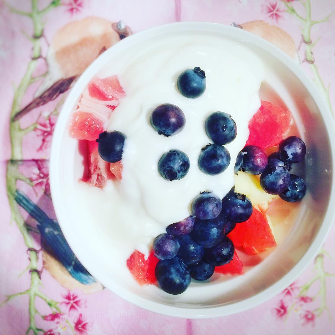 Easy breakfast today Happy Sunday loves healthybuttasty