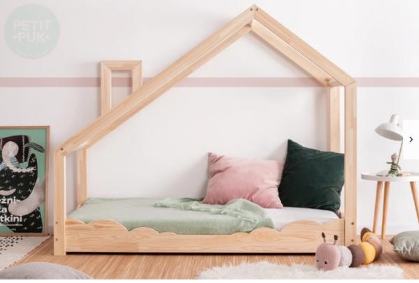 Hausbett mit Schornstein
